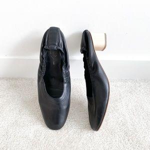 Designer Robert Clergerie black pumps